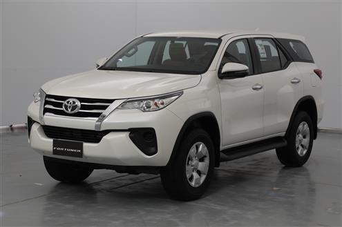 2020 Toyota Fortuner Image # 1